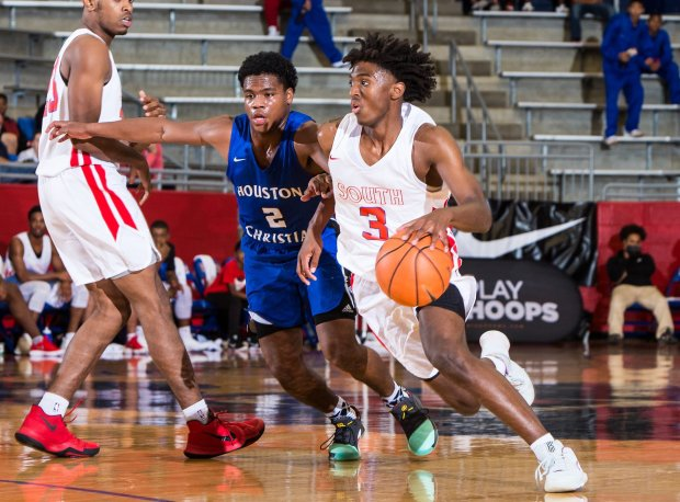 New Kentucky commitment Tyrese Maxey in action at the Thanksgiving Hoopfest last November.