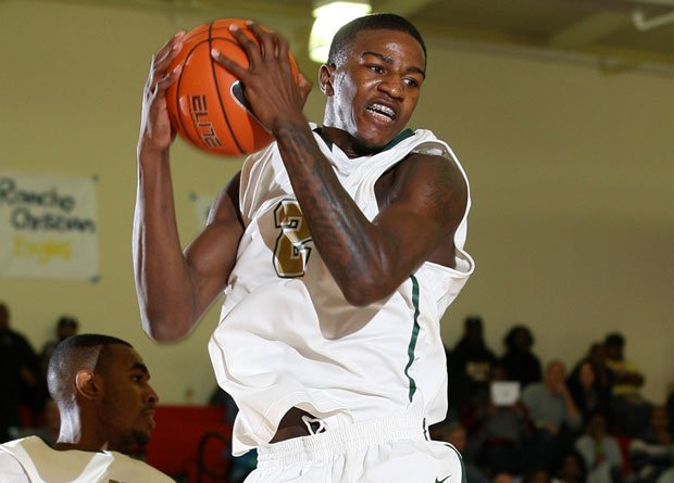 Jordan Bell and No. 4 Long Beach Poly dropped a spot this week to make room for new No. 2 Whitney Young. Bell and the Jackrabbits will have a head-to-head opportunity to reverse that decision over the long holiday weekend at the Spalding Hoophall Classic.