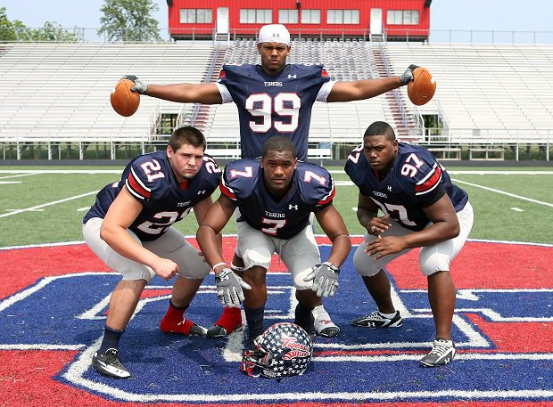 Members of the 2011 South Panola squad.
