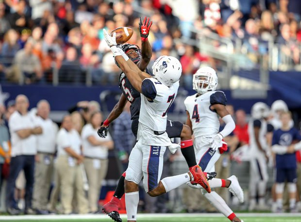 Allen's CJ Johnson (7) goes up over Garrett Wilson (5).