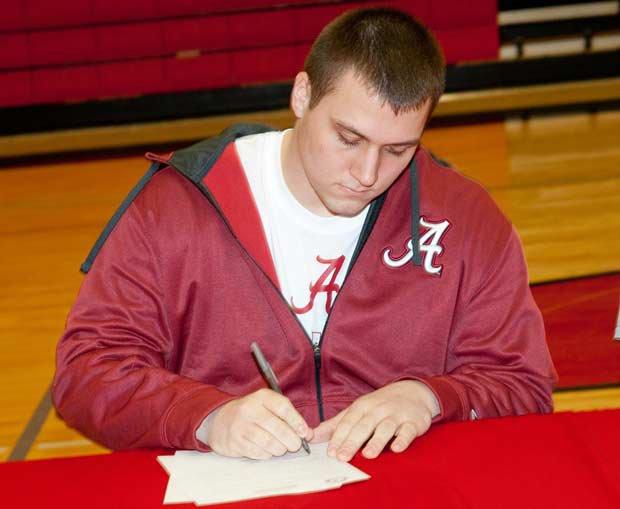 Ross Pierschbacher of Cedar Falls (Iowa) signs with Alabama.