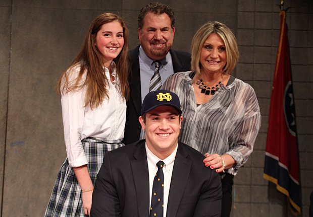 Alex Bars of Montgomery Bell Academy (Nashville, Tenn.) commits to Notre Dame.