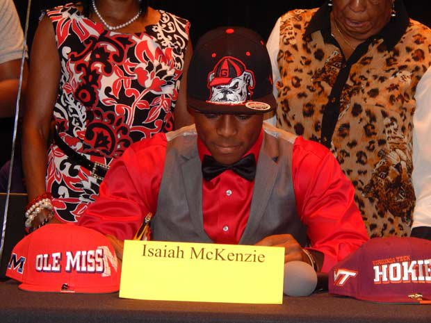 Isaiah McKenzie of American Heritage (Plantation, Fla.) signs with Georgia.