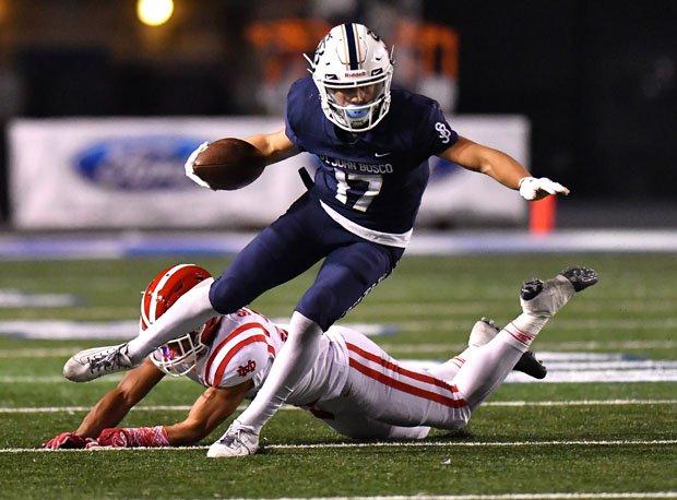 Logan Loya scored the go-ahead touchdown in St. John Bosco's 39-34 comeback win over Mater Dei on Saturday.