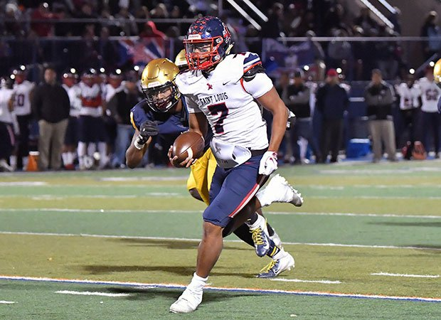 St. Louis quarterback Jayden de Laura had two touchdowns passes and one rushing.