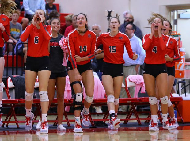 Mater Dei's girls volleyball team also had plenty to cheer about during its five-game defeat to Redondo Union last month.