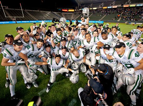 De La Salle celebrated an Open Division state title last season and looks to have the chance again this season.
