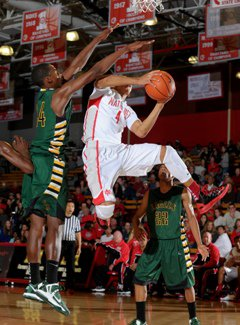 Elijah Brown led Mater Dei with 18 points.