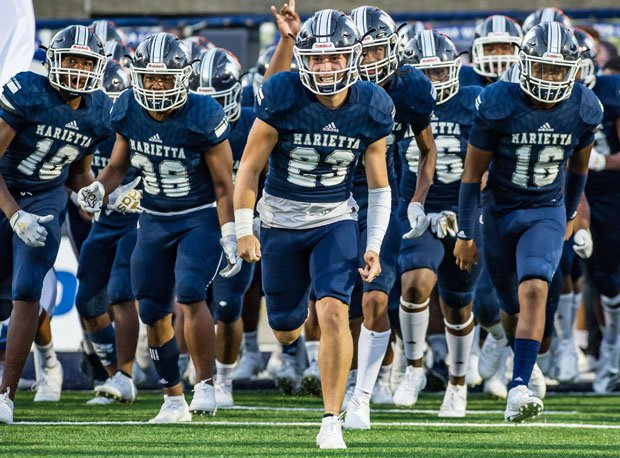 Georgia's top-ranked team from 2019 Marietta takes the field for a big game.