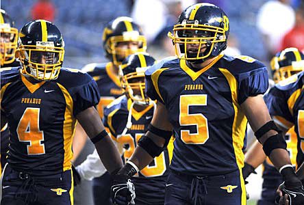 Manti Te'o (right) and Punahou in 2008.