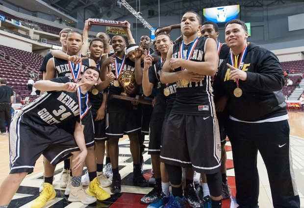 Neumann-Goretti celebrates a win in Pennsylvania's 2014 Class AAA state title game.