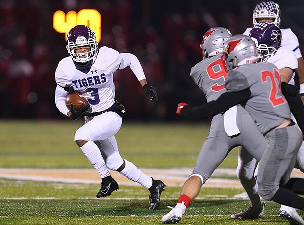Pickerington Central senior and Notre Dame recruit Lorenzo Styles Jr. is a Top 20 receiver prospect nationally.