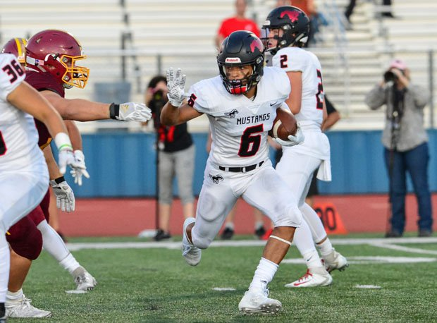 Monte Vista's big-play receiver Jacob Oliphant hopes to lead the Mustangs to a historic win over third-ranked De La Salle on Friday.