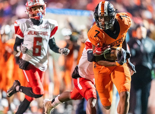 Massillon Washington is considered one of the Great Lakes Region and country's top teams.