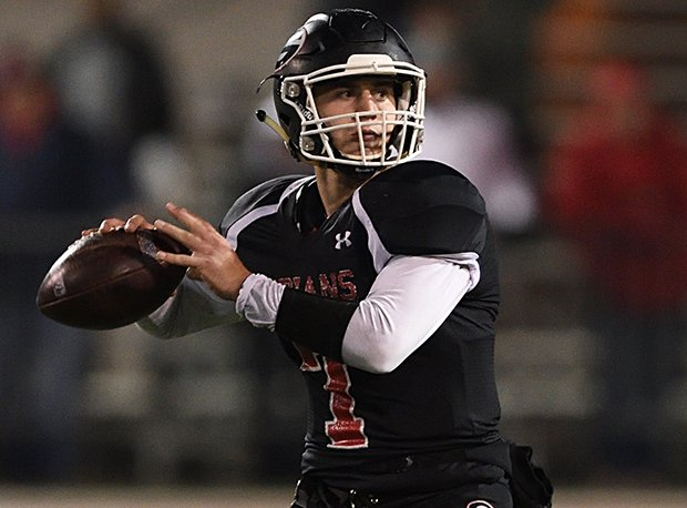 Girard (OH) senior quarterback and Youngstown State recruit Mark Waid led the region in passing yards.