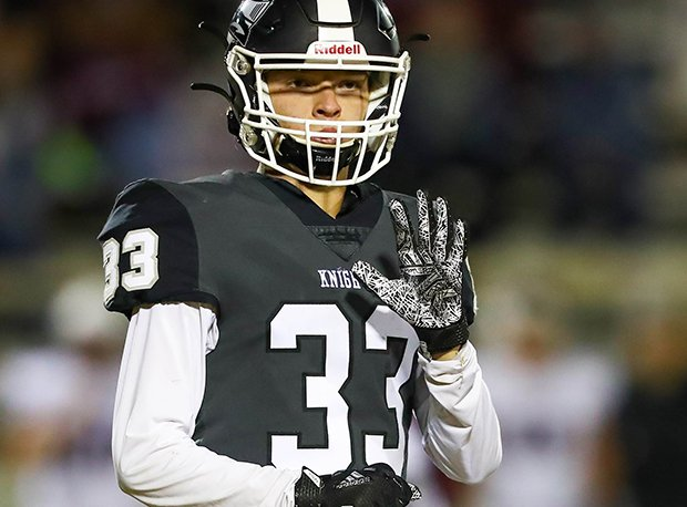 Lindsay receiver Garrett Ellender was all-state last year.