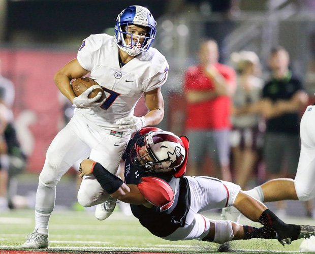 Biaggio Ali Walsh – the grandson of legendary boxer Muhammad Ali – separated impressively from the Cedar Hill defense for long TDs covering 58 and 54 yards.