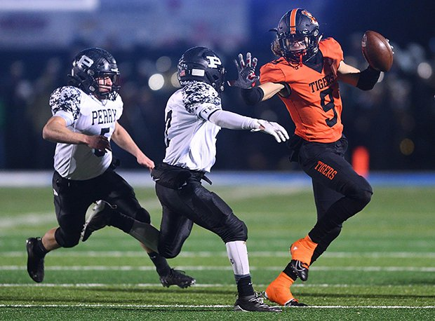 Massillon Washington receiver and four-star recruit Jayden Ballard has committed to Ohio State. He also holds offers from Penn State, Notre Dame, Washington State, Maryland, Michigan State and Pitt.