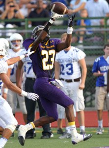 Blue Spring's Deondre Hall hauled in a 15-yard pass.