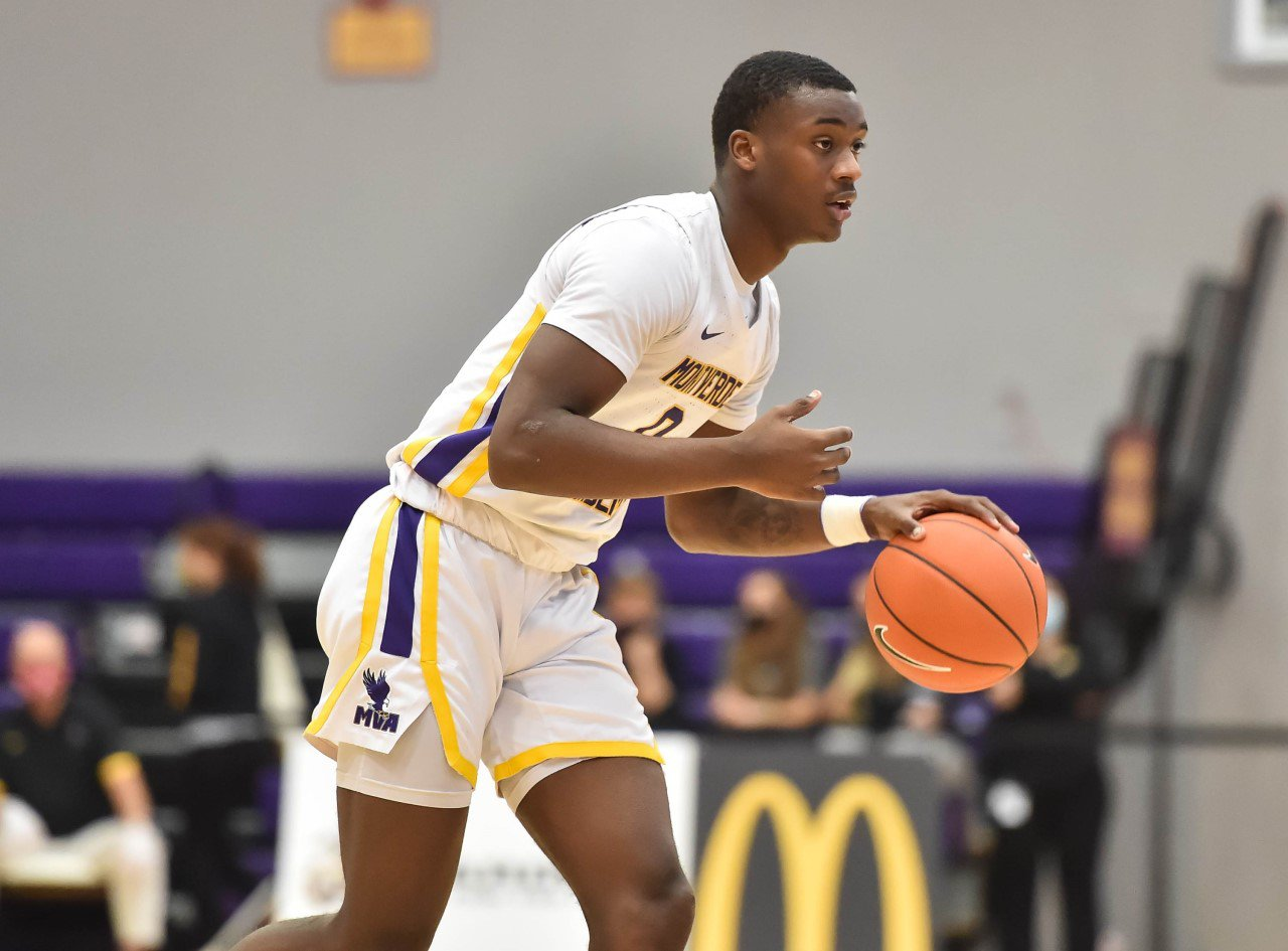 Dariq Whitehead brings the ball up the court for Montverde Academy during his junior season.