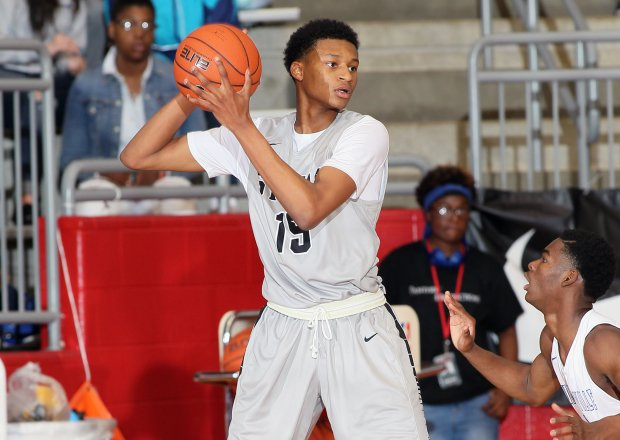 Gerald Liddell in action at the Thanksgiving Hoopfest last November.