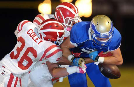 Mater Dei knocked Santa Margarita out of the bowl favorites, and greatly improved its standing with a 24-7 win.