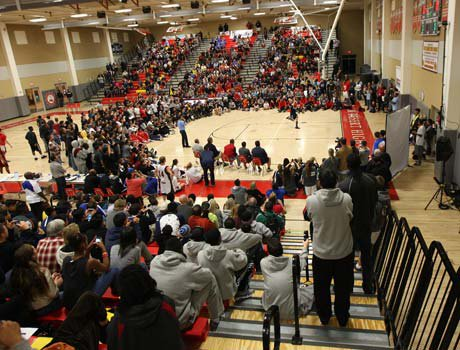 More than 2,000 fans stayed around following Friday's night final semifinal game between Fort Bend Travis and Loyola to enjoy the festivities from the slam dunk contest and 3-point shooting contest.