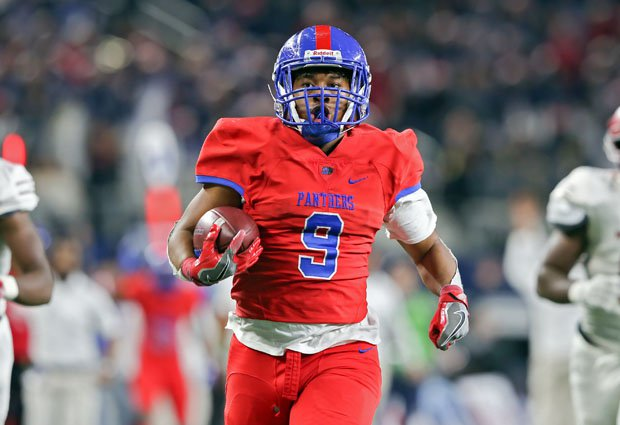 Duncanville quarterback Ja'Quinden Jackson rushed for a game-high 226 yards and one touchdown.