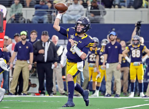 Highland Park junior quarterback Chandler Morris threw for 262 yards and three touchdowns.