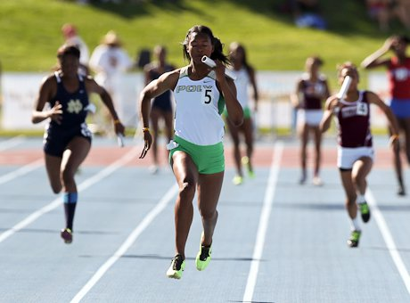 Ariana Washington, the defending California state champion in the 100 and 200, brings home Long Beach Poly's top-qualifying 400 relay win in Friday's CIF State Meet trials at Veterans Stadium in Clovis.