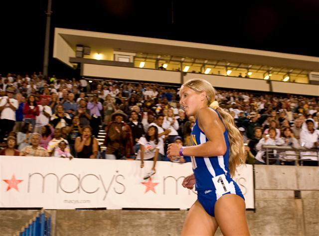 After enjoying an 18-second triumph in the 3,200, Hasay enjoyed one last victory lap.
