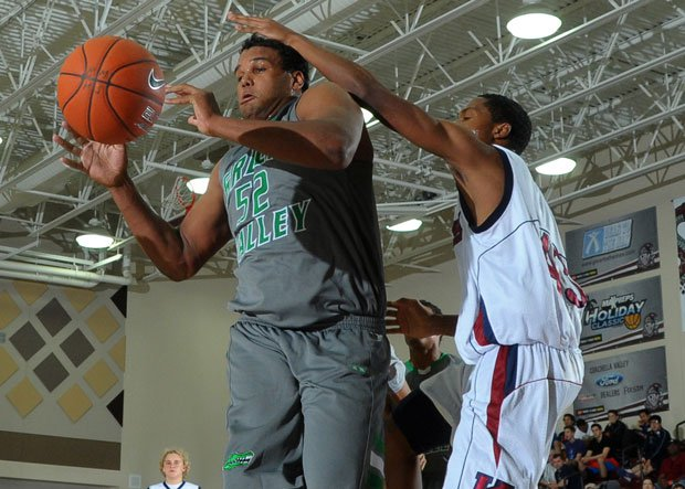 Tyrell Crosby protects the rim for Green Valley but will protect quarterbacks at Oregon.