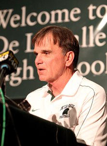 Bob Ladouceur received two standing ovations Friday, once before he  spoke and once after.