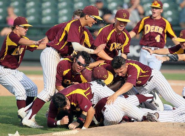 Deer Park celebrates a Texas Class 6A state title.