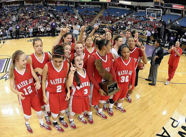 The 2011 Mater Dei team featured Kaleena Mosqueda-Lewis, the two-time Gatorade State Player of the Year, who went on to an All-American career at UConn before joining the WNBA.