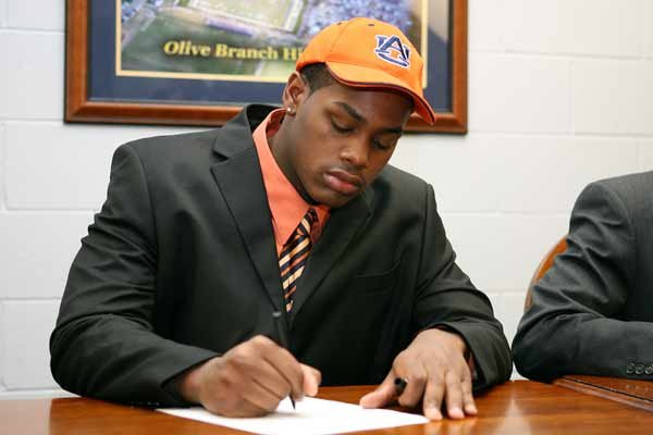 DT Shalon Coleman (Olive Branch) signed on at Auburn.