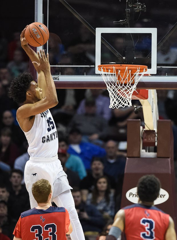 Sierra Canyon's Marvin Bagley scored Nike Extravaganza record 43 points on Saturday.