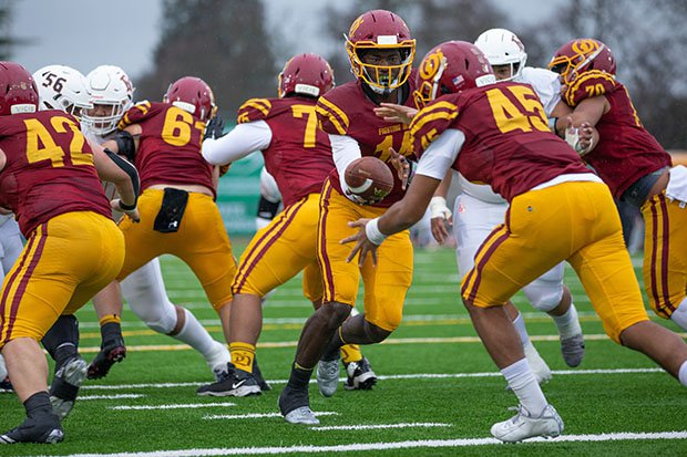 O'Dea battles Eastside Catholic in last year's Class 3A state championship game.