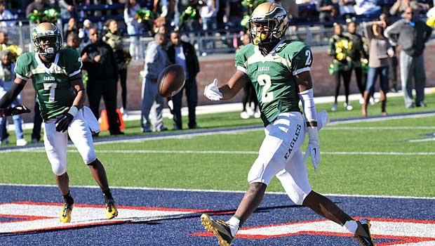 Oregon recruit Dontre Wilson will try to capture a state title with DeSoto before heading to Eugene.