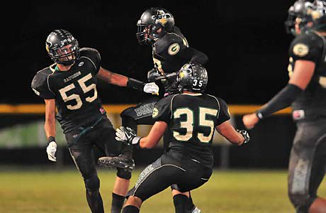 Narbonne jumped from No. 5 to No. 2 in this week's Farwest rankings after another playoff win.