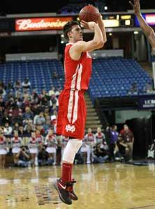 Katin Reinhardt scored a game-high 30 points.