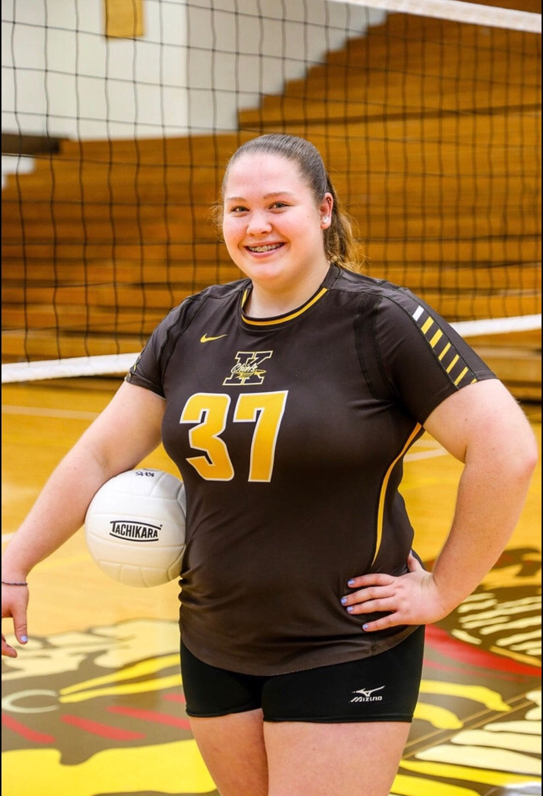 Kennedy Aurentz, who placed at state in shot put her first two years in high school, is a varsity volleyball starter for Kickapoo (Springfield, Mo.)