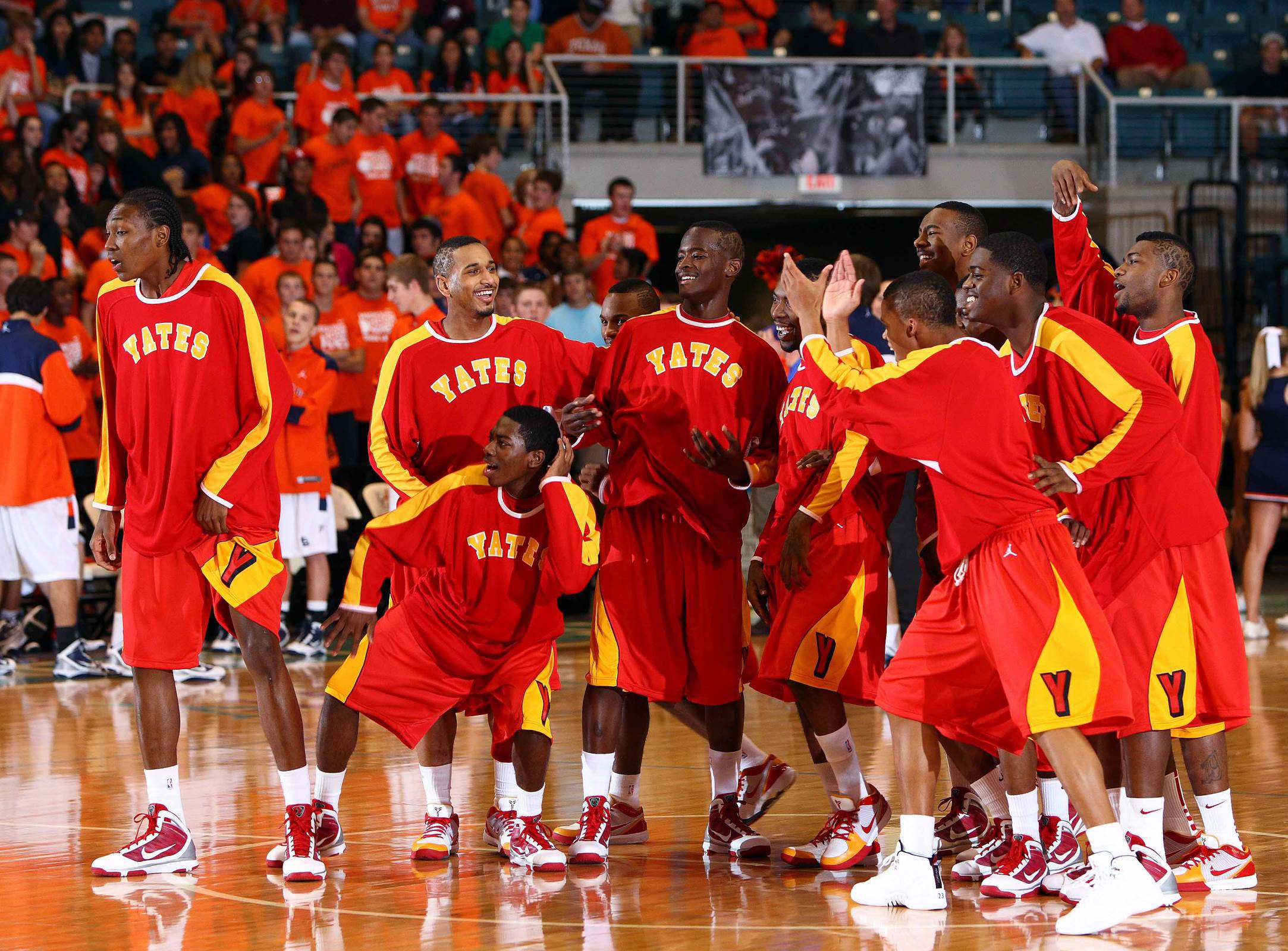 The 2009-10 team averaged 116.2 points on the season with 26 games eclipsing the century mark.
