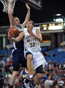 Aaron Gordon had 33 points and 20 rebounds in the state title win over La Costa Canyon last season.