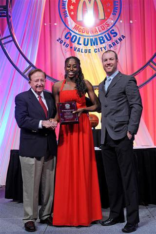 Ogwumike receiving the McDonald's Player of the Year award.