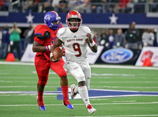 North Shore quarterback Dematrius Davis (9) was involved in the final play of the game to decide the Texas 6A-1 state championship.