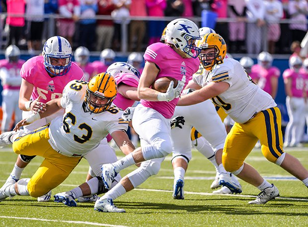 Both St. Ignatius and St. Xavier are ranked in the MaxPreps/JJHuddle D-I state poll.