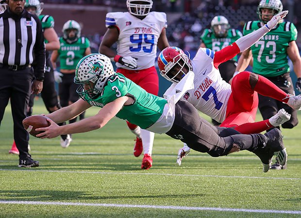 Quinn Ewers finished off a 13-yard run with a dive into the end zone, giving Southlake Carroll a 14-13 second-quarter lead.