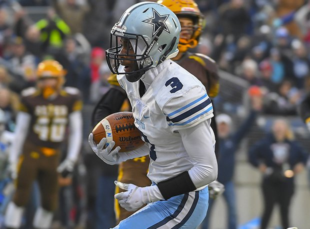 Kenston senior receiver Bransen Stanley had four catches for 71 yards and two touchdowns in the Bombers D-III state final win over Alter.