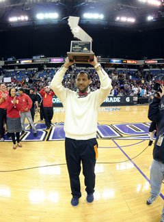 Morris Jr. turned around an 11-17 team tothe state title in just one year.